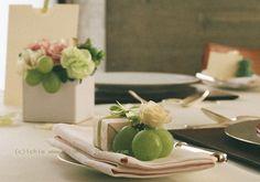 二期倶楽部様の装花 秋の葡萄の緑
