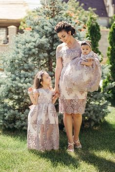 Mommy and Me outfits Matching Mother daughter lace dresses pink and grey Mother daughter matching lace outfits Chrismas dress baptism Kleider Mommy Daughter Dresses, Mommy And Me Dresses, Mother Daughter Dresses Matching, Mother Daughter Fashion, Mommy And Me Outfits, Baby Girl Dresses, Baby Dress, Girl Outfits, The Dress