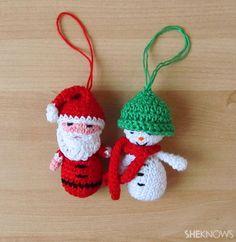 FREE crochet pattern for Santa & snowman ornaments. KIDS WILL LOVE THESE (so do I)./ ME TOO! CROCHET pattern