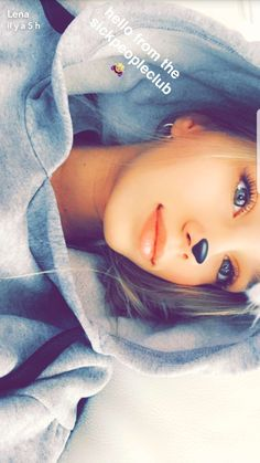 Lisa Or Lena, Snapchat Selfies, Sweetarts, Bad Bunny, Teen Life, Tween Girls, Photography Editing, Happy Smile, Cute Pictures
