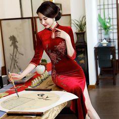 Full Length Velvet Cheongsam Mother Dress with Handmade Floral Sequins Qipao Modern, Oriental Dress, Evening Dresses With Sleeves, Cheongsam Dress, Velvet Fashion, Mothers Dresses, Ao Dai, Traditional Dresses, Velvet Style