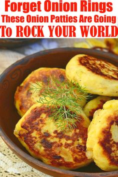 Forget Onion Rings, These Onion Patties Are Going To ROCK YOUR WORLD! #Onion #Patties #dinner #recipe Side Dish Recipes, Healthy Dinner Recipes, Appetizer Recipes, Appetizers, Onion Recipes, Vegetable Recipes, Diner Recipes, Cooking Recipes, Healthy Diners