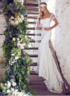 Trumpet/Mermaid Sweetheart Chapel Train Lace Wedding Dress With Bow(s)