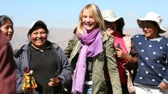 Cameron Diaz in a Kuna Scarf. The Sun Gate Alpaca Company sells this brand and other top brands. Visit sungatealpaca.com
