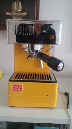 Barista Coffee Machine, Home Coffee Machines, Coffee Maker, Espresso Coffee, Best Coffee, Coffee Drinks, Coffee Beans, Tea Time, Magic