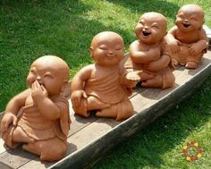 4 Buddhas of happiness