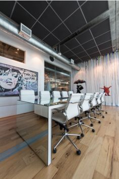 COOL COMMERCIAL SPACES, OFFICES, DESKS, CHAIRS, ART, WORK ENVIRONMENT