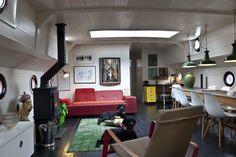 27m Cruising Houseboat