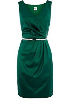 Emerald belted dress, I would look so good in this. Pretty Dresses, Dresses For Work, Party Dresses Uk, Emerald Green Dresses, Emerald Color, Emerald City, Winter Typ, Satin Dresses, Dresses Dresses
