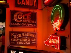 11 Hidden Gems In Ohio You Need To Check Out - 2) American Sign Museum (Cincinnati)