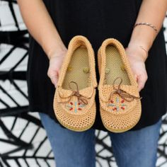 Moccasins – Crochet Shoes with Flip Flop Soles!