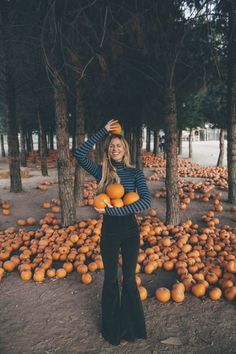 Turtleneck Fall Fashion + Pumpkin Patch Vibes with Kate Nelle + Margaret O'Leary and Show Me Your Mumu Cord Bells Source by smaracuja Fashion outfits Autumn Look, Fall Looks, Fall Winter Outfits, Autumn Winter Fashion, Fall Fashion, Autumn Aesthetic Fashion, Womens Fashion, Mode Outfits, Fashion Outfits