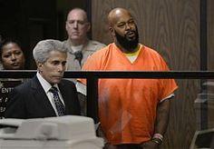 16-Apr-2015 19:53 - 'SUGE' KNIGHT MOET TERECHTSTAAN VOOR MOORD. De bekende Amerikaanse rapproducent Marion 'Suge' Knight moet terechtstaan voor moord. Dat heeft een rechter in Los Angeles donderdag bepaald na een regiezitting waarbij het bewijs in de zaak werd bekeken.