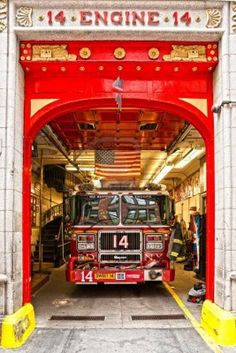 NEW YORK -MARCH 29 New York Fire Department Engine 14 The FDNY.. Royalty Free Stock Photo, Pictures, Images And Stock Photography. Image 16179411.