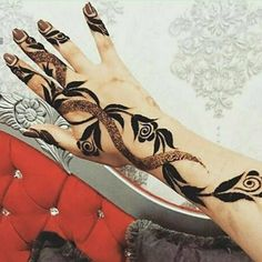 Booking for henna services,, Call / Al Ain, UAE Indian Henna Designs, Modern Henna Designs, Henna Designs Feet, Floral Henna Designs, Simple Arabic Mehndi Designs, Latest Bridal Mehndi Designs, Mehndi Designs Book, Latest Mehndi Designs, Mehndi Designs For Hands