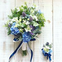 Bouquet for bride! ハーブや野の花のような感じでざっくりと、花々しくないBouquetがご希望でした。喜んでいただけて良かったです!素敵な1日を◎ * #lesfavoriswedding #wedding #bridal #weddingbouquet #オリジナルウェディング #ホテル婚 #大人婚 #おしゃれ婚 #ナチュラルウェディング #沖縄ウェディング #ウェディングフォト #前撮り #後撮り #結婚式準備 #プレ花嫁 #日本中のプレ花嫁さんと繋がりたい #ブーケレッスン #アーティフィシャルフラワーブーケ #プリザーブドフラワーブーケ #ドライフラワーブーケ #workshop #wedingflowers #lesfavorisbouquet #preservedflowers #dryflower #花嫁diy #futakotamagawa #shimokitazawa