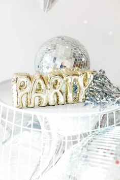party DIY Silver Disco New Years Backdrop Disco Theme Parties, Disco Birthday Party, Bachelorette Party Themes, Birthday Parties, Disco Party Decorations, Nouvel An, New Years Eve Party, Animal Party, Party Planning