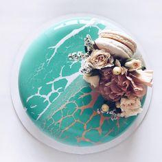 Artistic Desserts by Ksenia Nohryna – Inspiration Grid   Design Inspiration #art #artwork #dessert #cakes #cakedesign #cakedecorating #mirrorglaze #beautifuldesserts #inspirationgrid