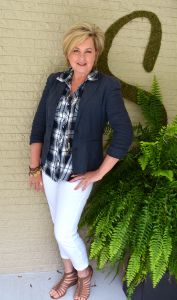 Fashion for women over 40. Fall fashion outfit. Perfect for women 40, 50, and older!