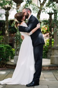 First kiss at Morris House Hotel wedding | Heart & Dash | Wedding Planners serving the Philly, New York, Baltimore and beyond
