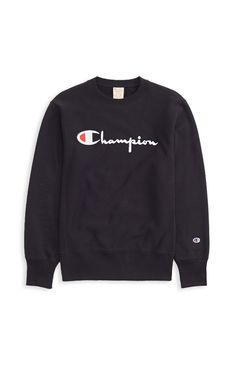 My favourite consumer product is no other then the trendy brand, Champion! This brand just blew up recently but I used to buy this product back then when it was at Walmart for 10 dollars! Cute Comfy Outfits, Sporty Outfits, Nike Outfits, Trendy Outfits, Hoodie Outfit, Sweater Hoodie, Hoody, Champion Sweatshirt, Black Champion Sweater