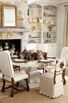 Thanksgiving tabletop inspiration for your placesetting and dining room