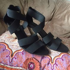 Steve Madden black pumps Strapped shoe (stretchy material), very comfy & stylish! 2 inch platform. Steve Madden Shoes