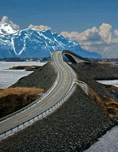 Atlantic Ocean Road in Norway - Crazy beautiful pictures from around the world