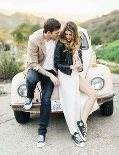 Wedding photography, engagement photo outfits, casual engagement photos, we Casual Engagement Photos, Engagement Photo Outfits, Engagement Photo Inspiration, Engagement Couple, Engagement Session, Wedding Fotos, Pre Wedding Photoshoot, Couple Photography, Engagement Photography