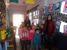 Crianças, Profª Valéria e Diretora Profª Julia (EMEI Aparecida), em visita a EMEI Criança Feliz - Semana da Educação Infantil 2015