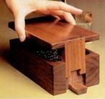 Wood puzzle box designs A real masterpiece of craf. Wood puzzle box designs A real masterpiece of craftsmanship Japanese puzzle boxes are definitely an eye catcher. Crafted exclusively in Japan by artis Japanese Woodworking, Woodworking Box, Woodworking Furniture, Woodworking Projects Plans, Diy Wood Box, Wood Boxes, Diy Box, Wooden Puzzle Box, Wooden Puzzles