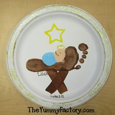 Baby jesus foot manger. Cute idea for babies first Christmas!