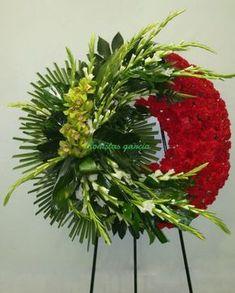 Grave Flowers, Altar Flowers, Cemetery Flowers, Church Flowers, Funeral Floral Arrangements, Beautiful Flower Arrangements, Beautiful Flowers, Funeral Bouquet, Funeral Flowers