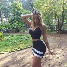 Conjuntinho #simplesvaidade #sv ▫ #estilo #lookbook #lookoftheday #blusas #girlfashion #saia #body #fashiongirl #fashiongram #moda #cabelolindo #conjunto #lookdeldia #style #conjuntinho #looklindo #saias #bomdia #buenosdias #goodmorning #cropped #terça #tumblrgirl #cabelo #fitness #tuesday #cinturafina #loira