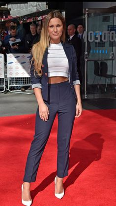 The sun has finally come out, and Sam Faiers was one of several stars enjoying it on Thursday afternoon at the The Prince's Trust and Samsung Celebrate Success Awards Sam Faires, Toned Tummy, Ab Fab, 24 Years Old, Classy Outfits, Hair Inspo, Awards, Prince, Crop Tops
