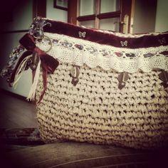 Clutche crochet  Rafia y terciopelo