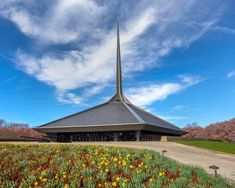 The dramatic geometry of the church's spire and form instantly identify it as a Saarinen work. #dwell #gettyfoundation #moderndesign #modernarchitecture #keepingitmodern