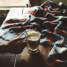 via winter wishes-bonfires - via winter wishes-bonfires - Tiffany Mitchell, Cider House, Coffee Drinks, Glass Of Milk, Alcoholic Drinks, Folk, Homemade, Wine, Plaid