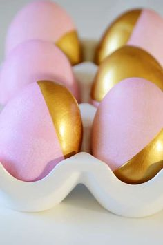 DIY Dipped Easter Eggs by fabulousk via trendhunter: Simply dip half the egg in a mixture of red and pink Easter egg dye and the other half in non-toxic gold paint. #Easter_Eggs #Gold_Dipped