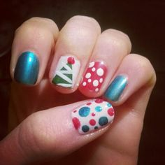 Christmas Nail Art check out www.MyNailPolishObsession.com for more nail art ideas.