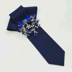 Купить или заказать Галстук 'Сапфир' в интернет-магазине на Ярмарке Мастеров. Первый галстук в моей коллекции. Красивого благородного темно-синего цвета. Незамеченным он точно не останется.…