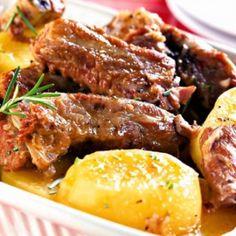 Receita de Costelinha Suína na Panela de Pressão - 1 kg de costelinha suína magra, 3 dentes de alho amassados, sal e pimenta a gosto, 2 colheres (sopa) de a...
