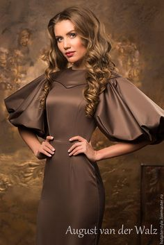 Sleeves design is an important aspect of any clothing's item-such as blouse, top, or dresses we create. Glamorous Dresses, Beautiful Dresses, Nice Dresses, Myanmar Traditional Dress, Traditional Dresses, Chic Outfits, Dress Outfits, Fashion Dresses, Couture Mode