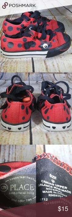 THE CHILDREN'S PLACE Ladybug Canvas Sneakers Sz 9 THE CHILDREN'S PLACE Ladybug Canvas Low Top Sneakers   BRAND: The Children's Place     CONDITION DESCRIPTION: Used condition, with general wear. Some pilling on the shoelaces. Please view all pictures for more details.    SIZE: Toddler girls size 9  COLORS: Red, black, white  Colors shown in pictures may vary slightly from the actual item, due to different lighting and/or screen resolutions.   STYLE: Low top sneakers  CLOSURE: Lace up…