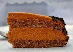 La receta de hoy es una sencilla tarta con dulce de leche. Queda muy sabrosa, no resulta nada empalagosa...
