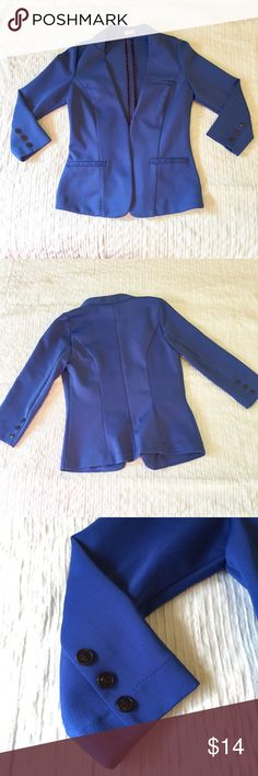 Blue collar-less blazer Blue collar-less blazer made of scuba like fabric. 3/4 sleeve length with button detailing. Open style blazer without closure. Some pilling at sides; reflected in price. The worst of the pilling is on the right side, see picture 4. Worthington Jackets & Coats Blazers