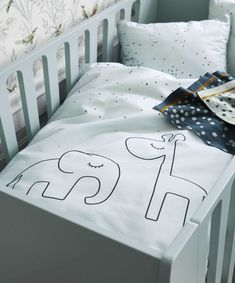 Dekbedovertrek Dreamy Dots Elphee en Raffie Done by Deer cm - blue Deer Bedding, Linen Bedding, Bedding Sets, Done By Deer, Blue Duvet, Deer Design, Bed Sets, Kid Beds, Pastel Colors