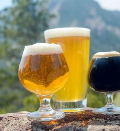 Looking for the perfect summer beer recipe? Here are 5 homebrew recipes to beat the heat! Brewing Recipes, Homebrew Recipes, Wine And Liquor, Wine And Beer, Summer Beer Recipes, Brew Your Own Beer, Craft Bier, Homemade Beer, Home Brewing Beer