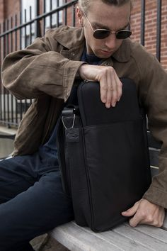 Black leather and a sleek design come together to create the European Messenger Bag. Cowhide Leather, Black Leather, Snap Bag, Wall Pockets, Cute Bags, Messenger Bag, Satchel, Backpacks, Zip
