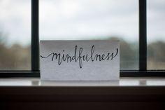 Achtsamkeit fördert Akzeptanz und Zuversicht - wichtige Pfeiler für die seelische Widerstandsfähigkeit.